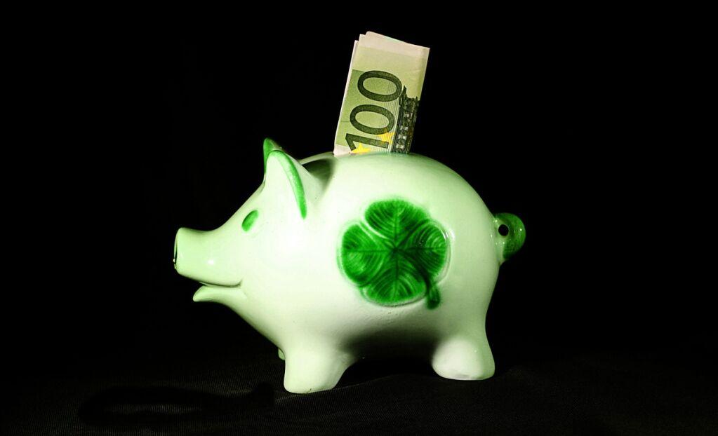 100 Euro, Schlepper und die Glücksritter